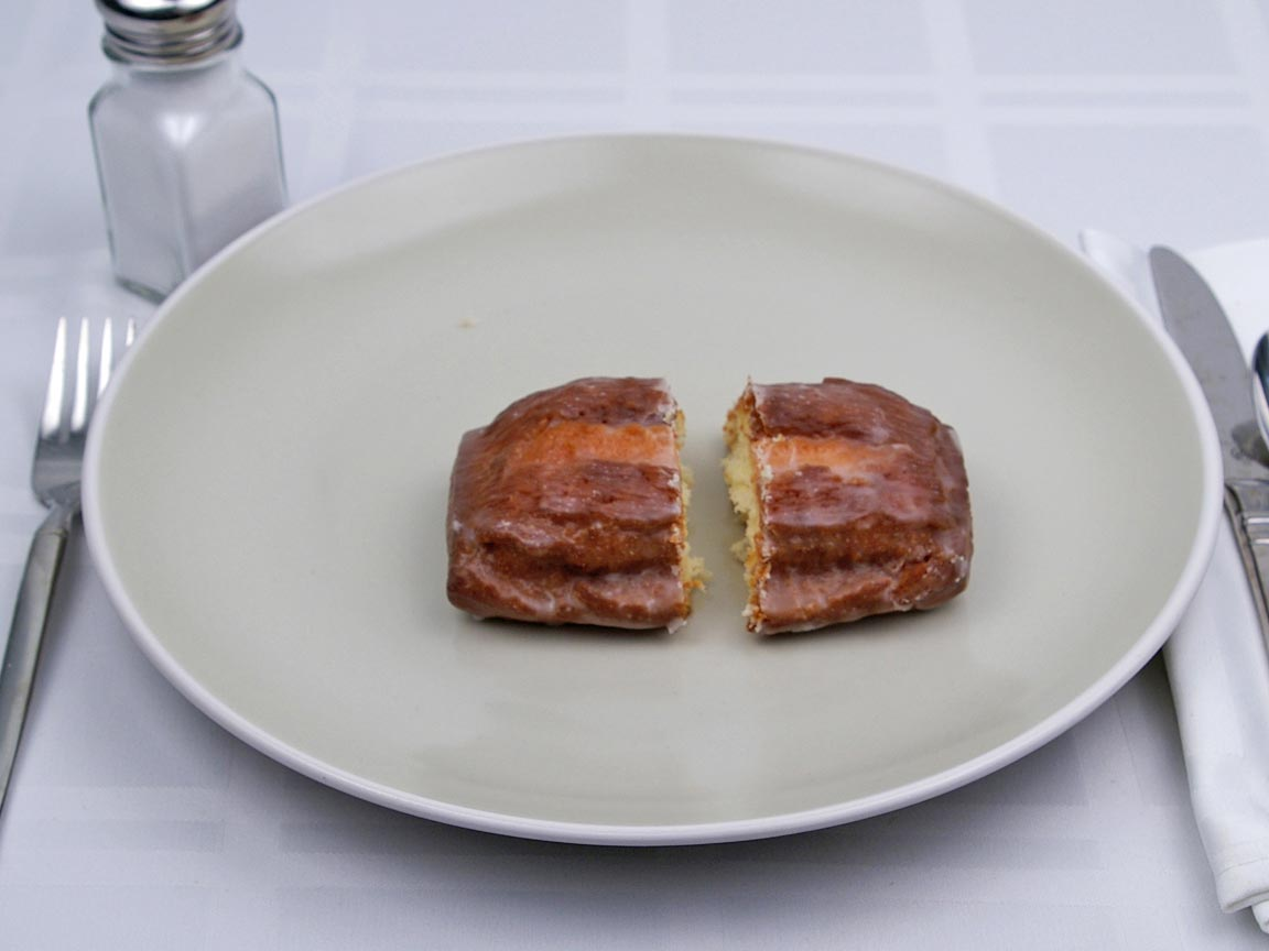 Calories in 1 donut(s) of Glazed Buttermilk Donut