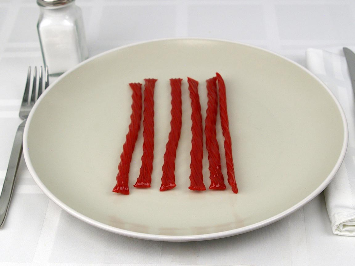 Calories in 6.03 piece(s) of Twizzlers