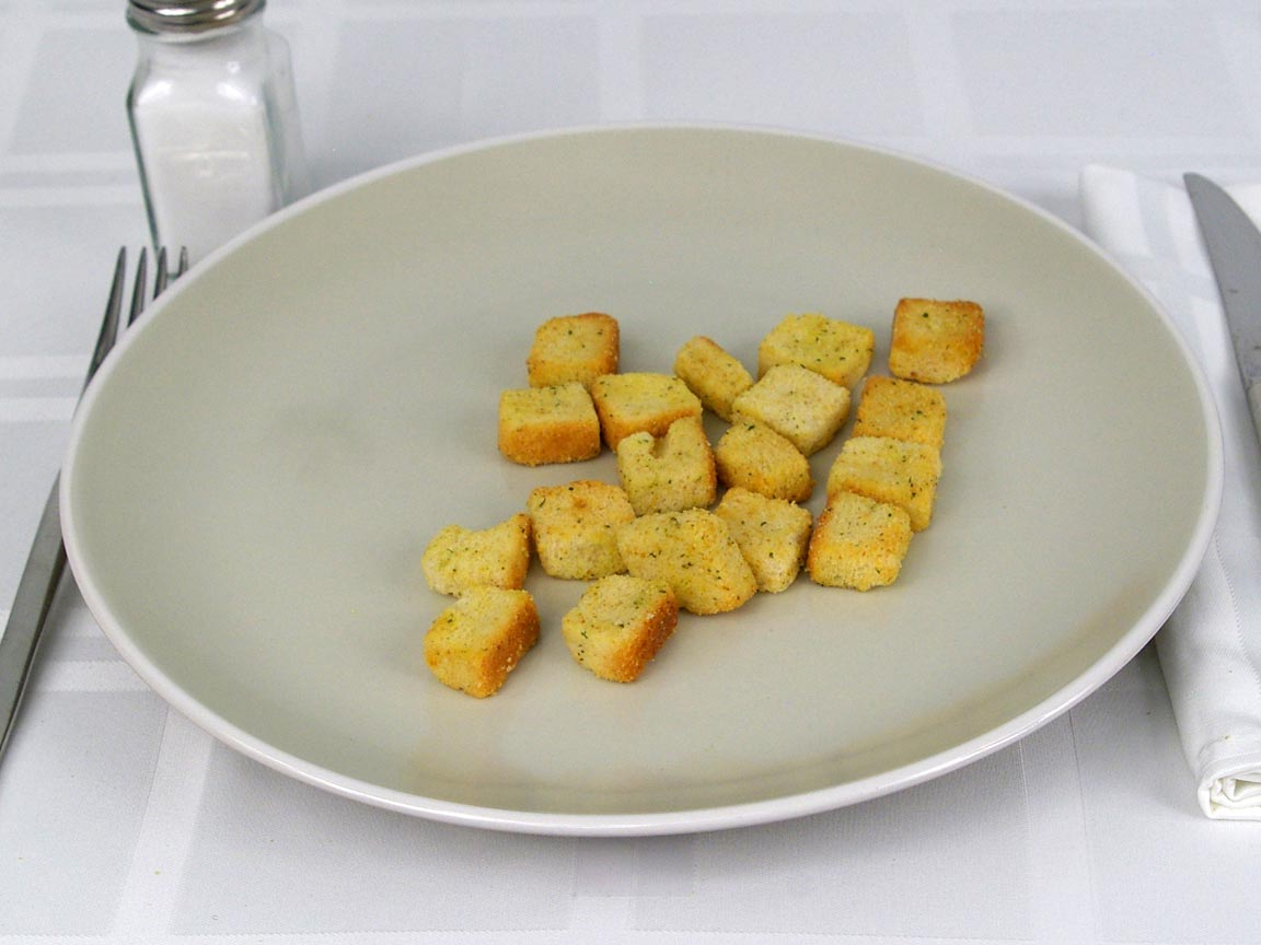 Calories in 17.95 ea(s) of Cheese & Garlic Croutons