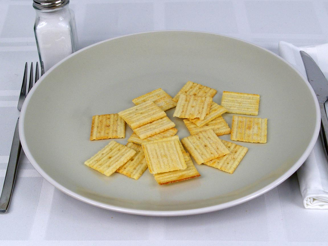 Calories in 1 ea(s) of Cheez It Grooves White Cheddar