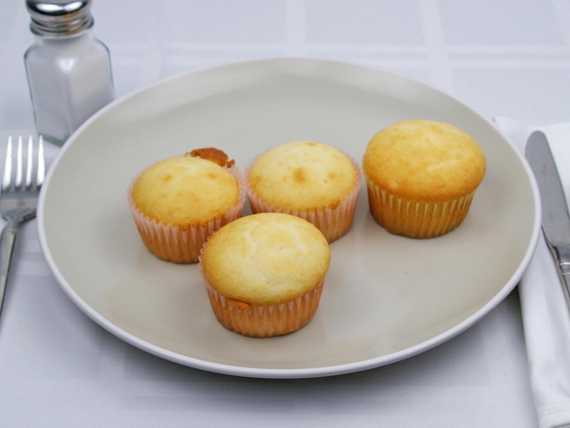 Calories in 4 cupcake(s) of Vanilla Cupcake - Plain - Avg