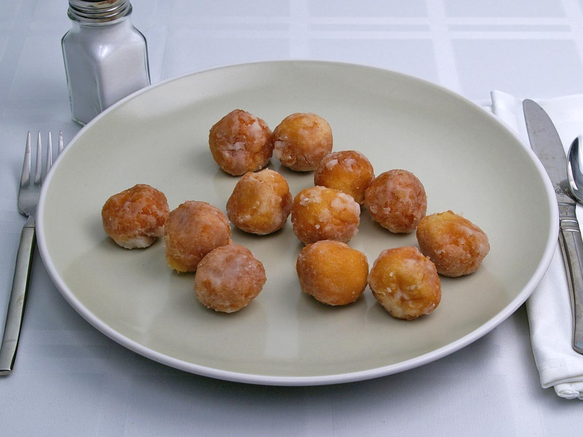 Calories in 12 donut hole(s) of Donut Holes - Cake