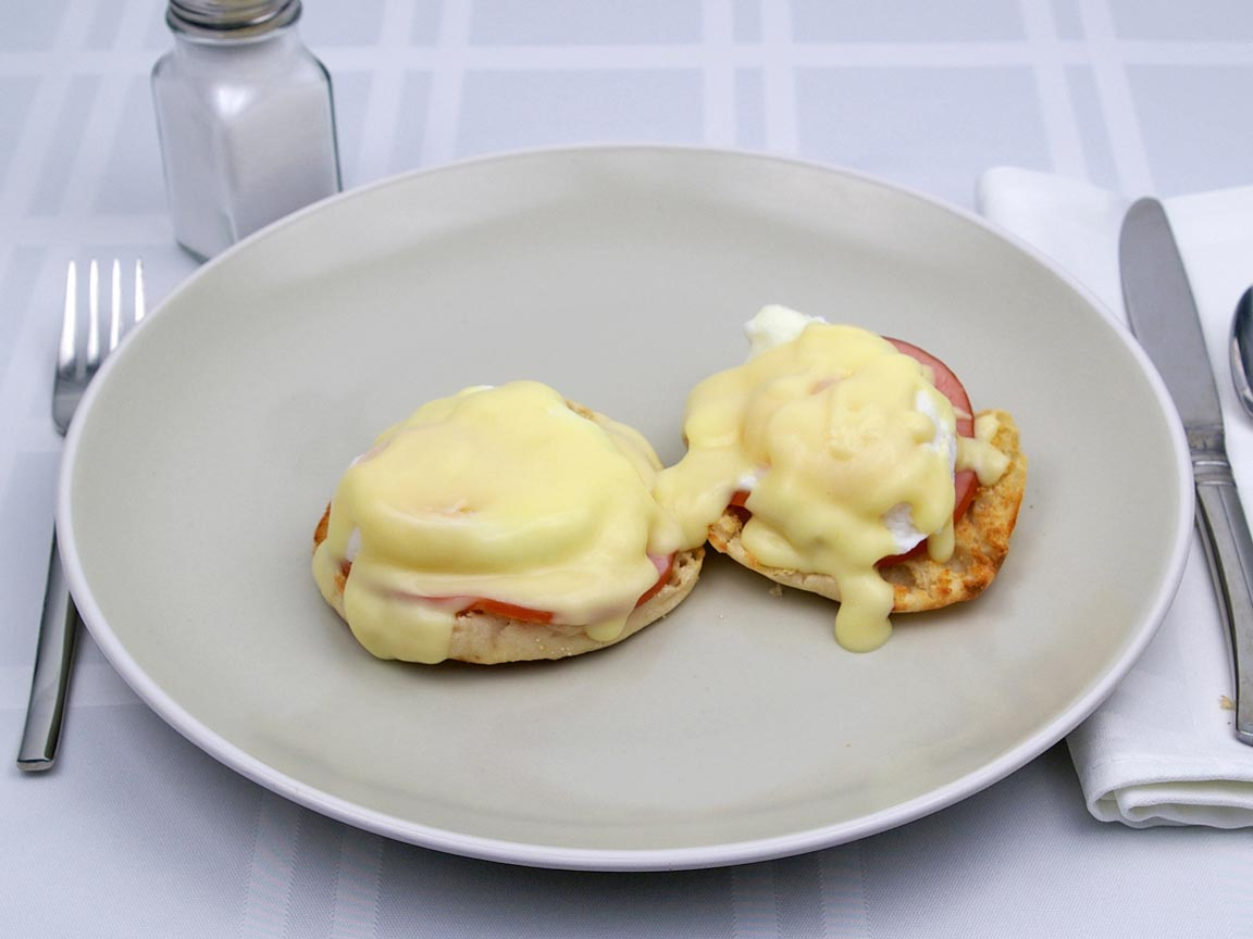 Calories in 2 egg(s) of Eggs Benedict - Avg