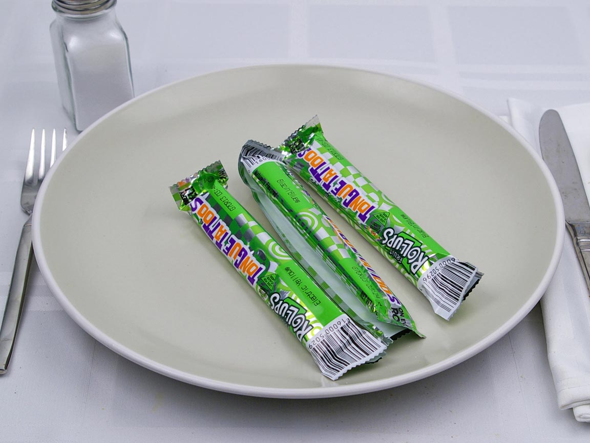 Calories in 3 roll of Fruit Roll-Ups