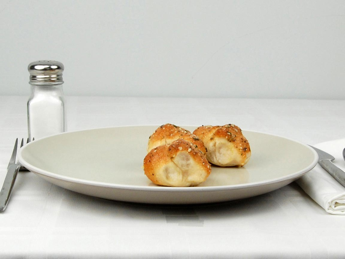Calories in 3 piece(s) of Pizza Hut Garlic Knots