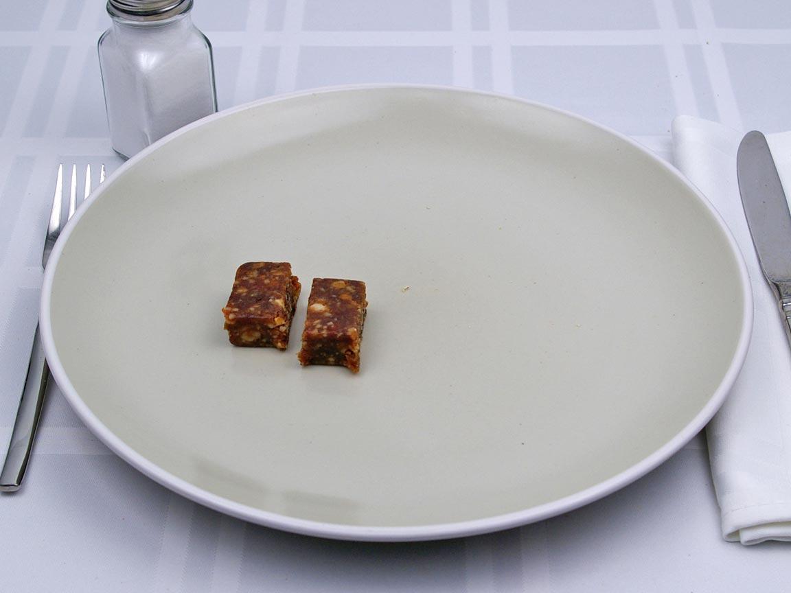 Calories in 0.5 bar(s) of LaraBar - Cinnamon Roll