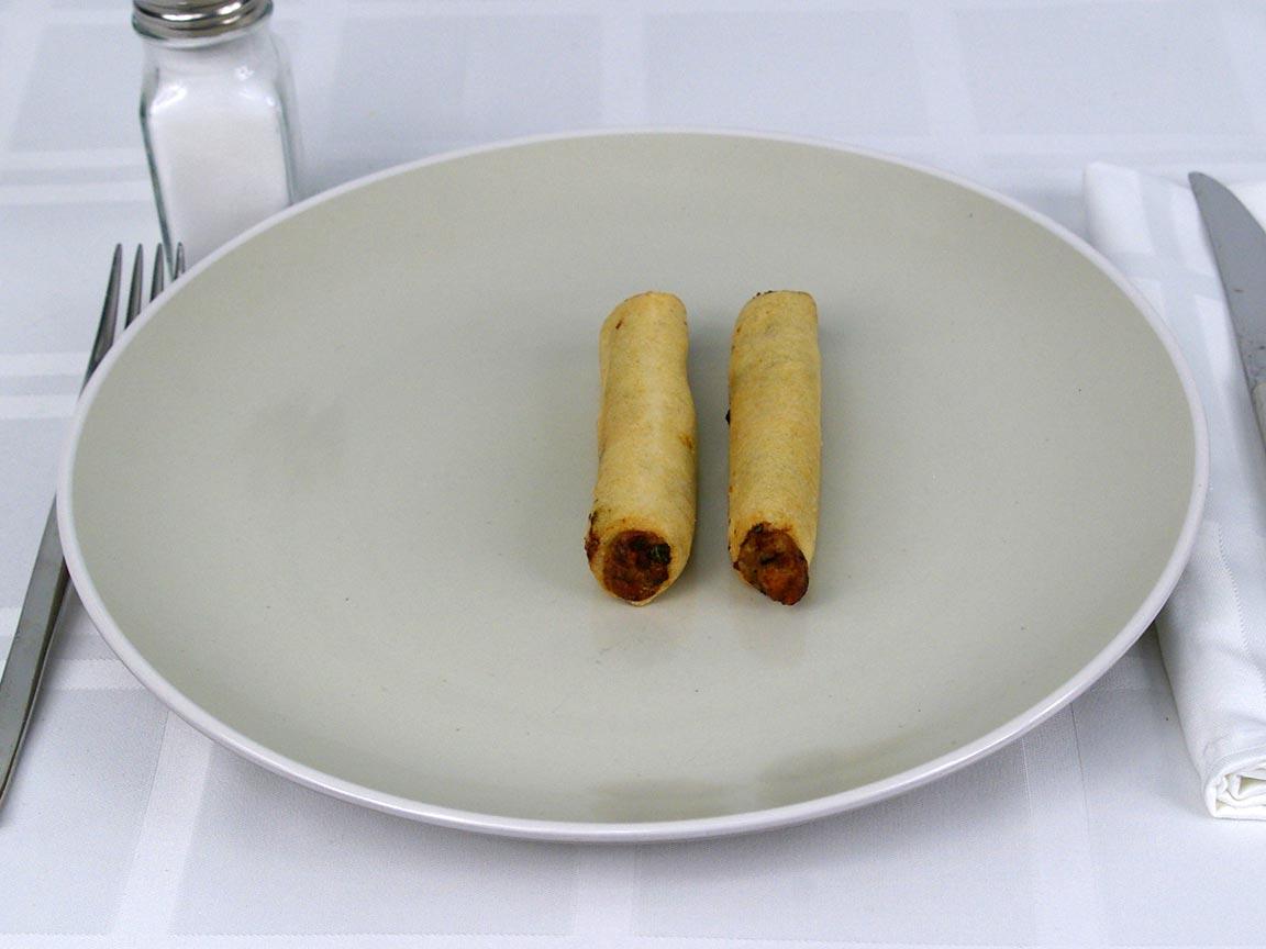 Calories in 2 ea(s) of Lean Cuisine Spring Rolls