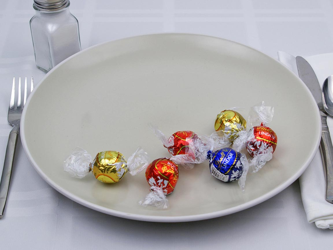 Calories in 6 piece(s) of Lindor Chocolate Truffles