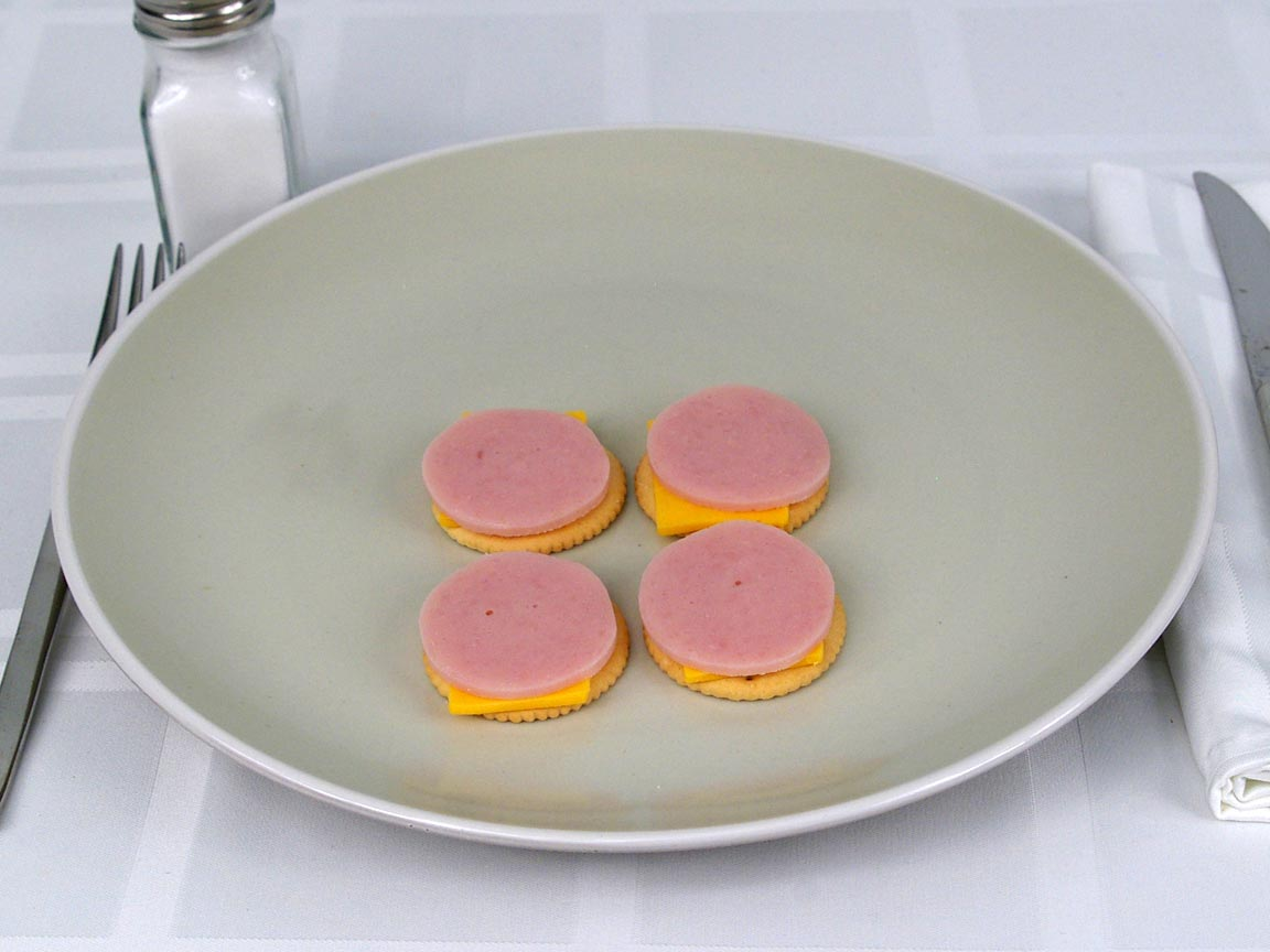 Calories in 0.5 ea(s) of Lunchables Turkey and Cheddar