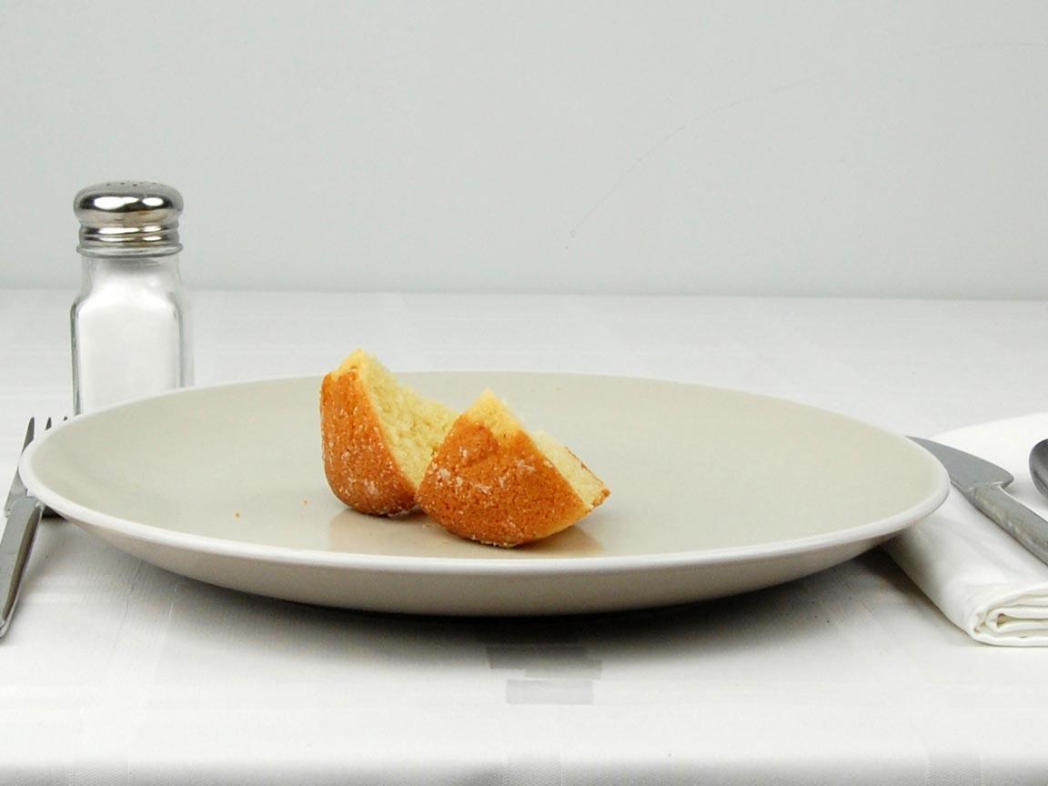 Calories in 0.5 muffin(s) of Corn Muffin