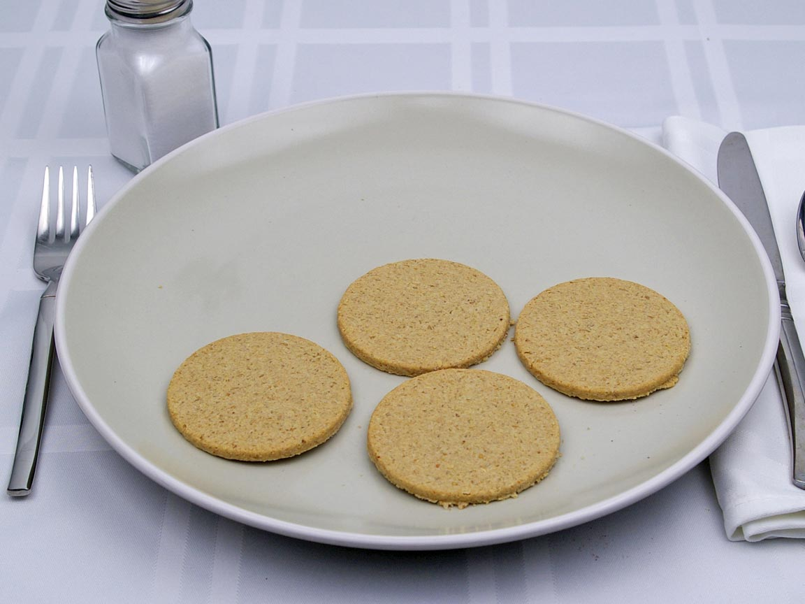 Calories in 4 cracker(s) of Oat Cake Crackers