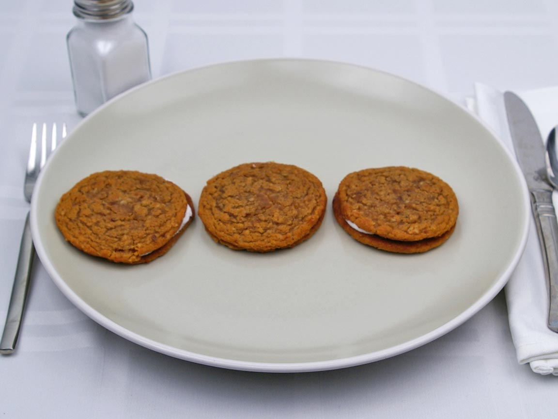 Calories in 3 cookie(s) of Oatmeal Cream Pie Cookie