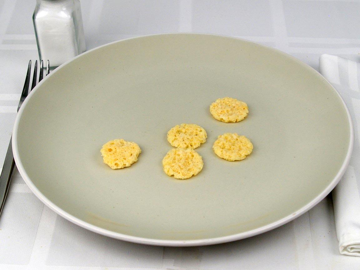 Calories in 5 crisp(s) of Parmesan Cheese Crisps