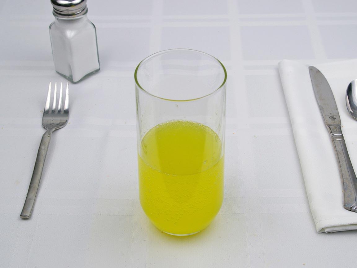 Calories in 8 fl oz(s) of Pineapple Soda