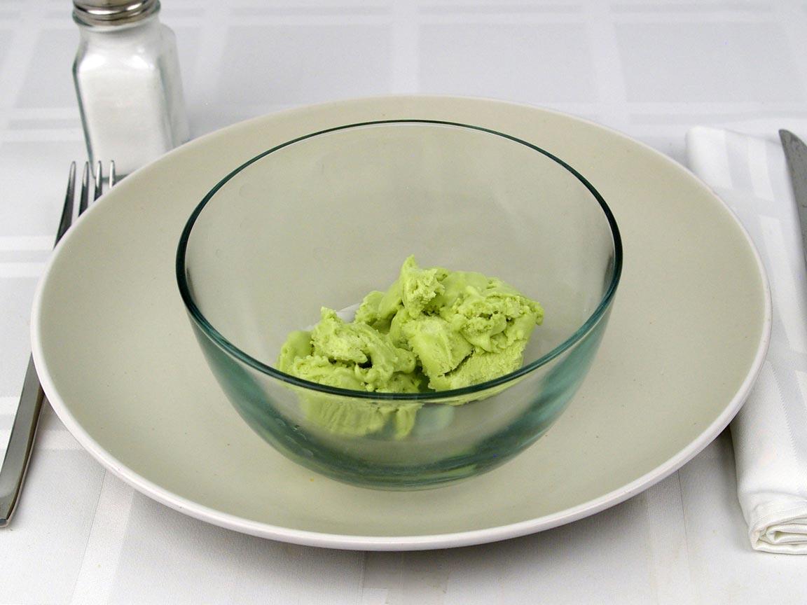 Calories in 0.5 cup(s) of Halo Top Pistachio Ice Cream