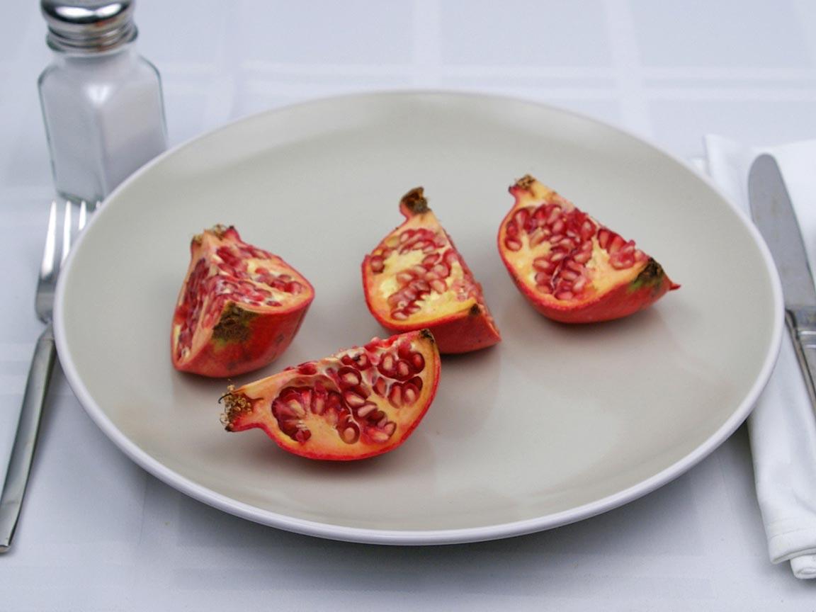 Calories in 1 pomegranate of Pomegranates