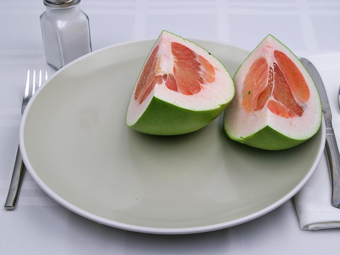 Calories in 0.5 fruit(s) of Pummelo (Pomelo)