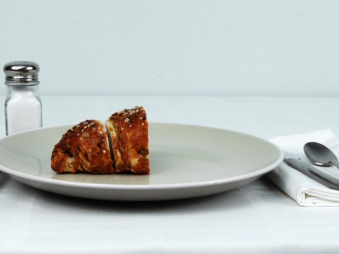 Calories in 0.5 ea(s) of Pretzel Croissant