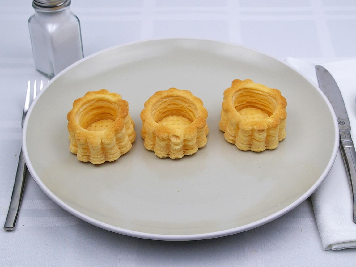 Calories in 3 piece(s) of Puff Pastry - Vol-au-Vent