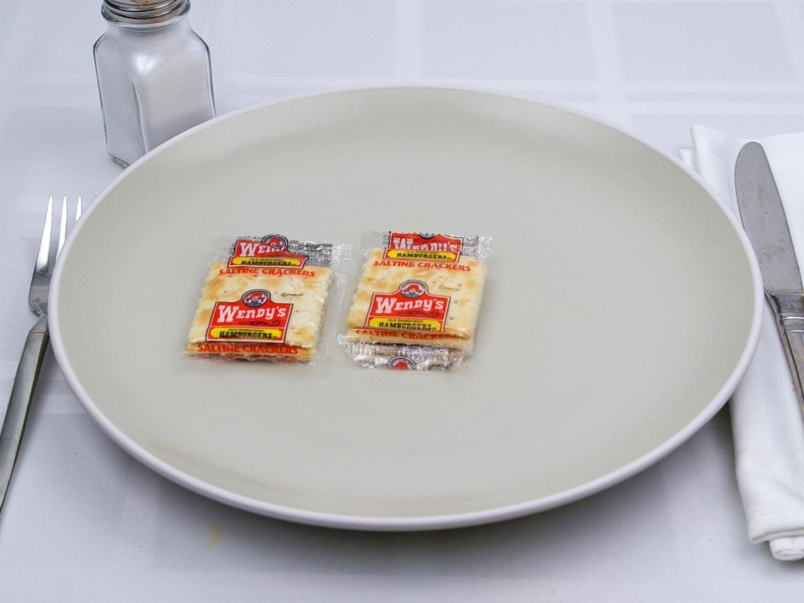 Calories in 2 package(s) of Wendy's - Saltines