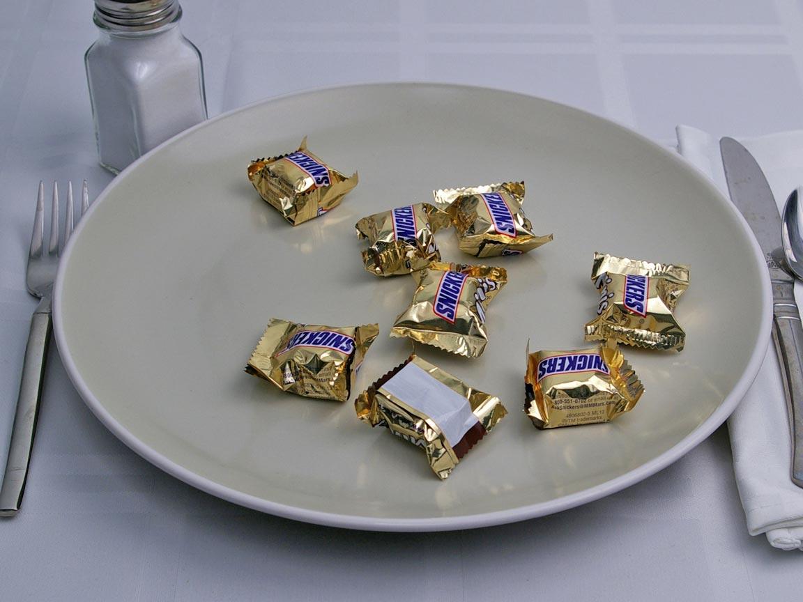 Calories in 8 mini(s) of Snickers - Mini