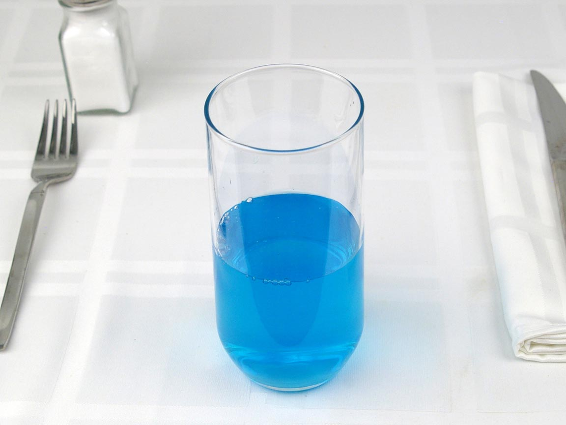 Calories in 8 fl oz(s) of Powerade Blue Sports Drink