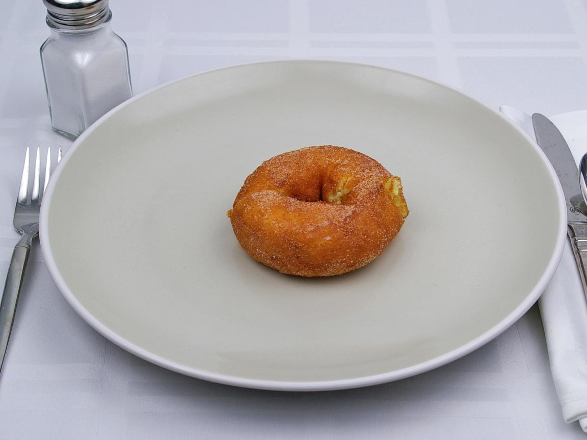 Calories in 1 donut(s) of Sugared Donut