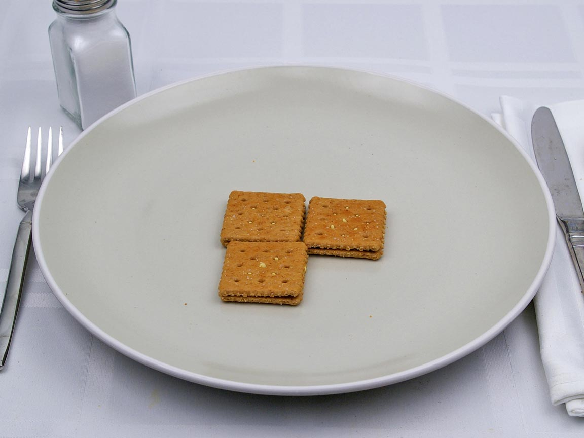 Calories in 0.5 pack(s) of Wheat Crackers with Cheddar Cheese