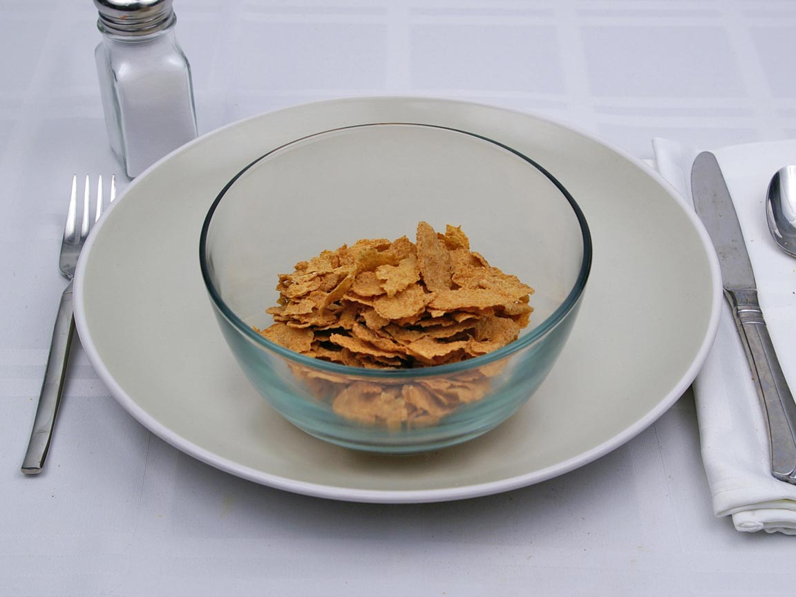 Calories in 1.25 cup of Wheaties Cereal