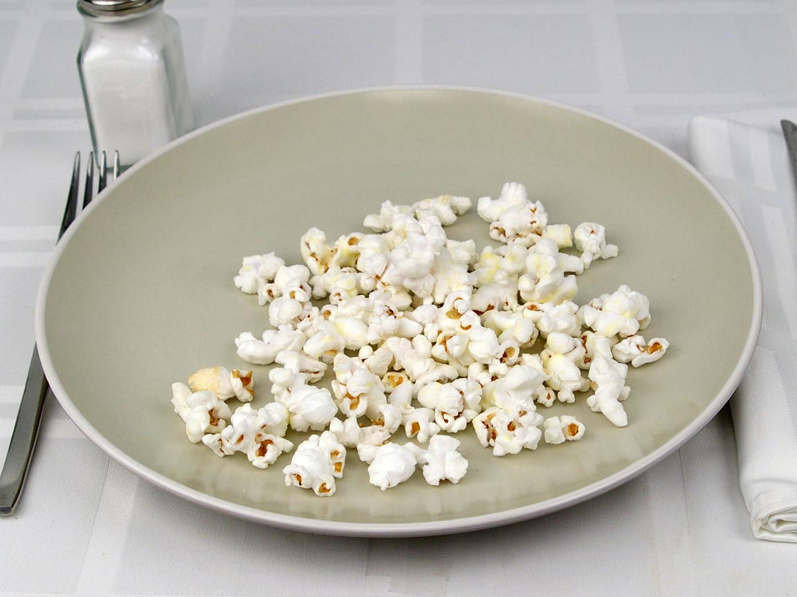 Calories in 1 cup(s) of White Cheddar Popcorn