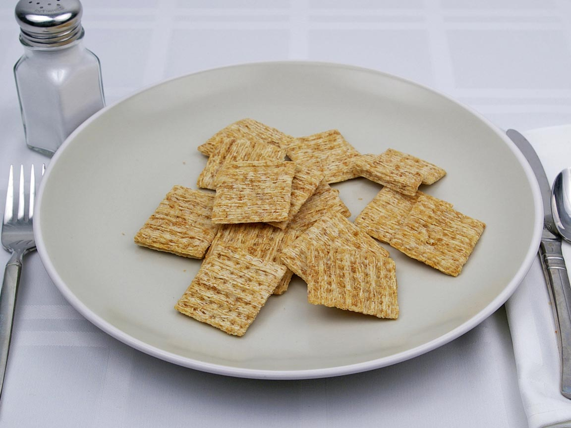 Calories in 16 cracker(s) of Triscuit Woven Wheat Crackers